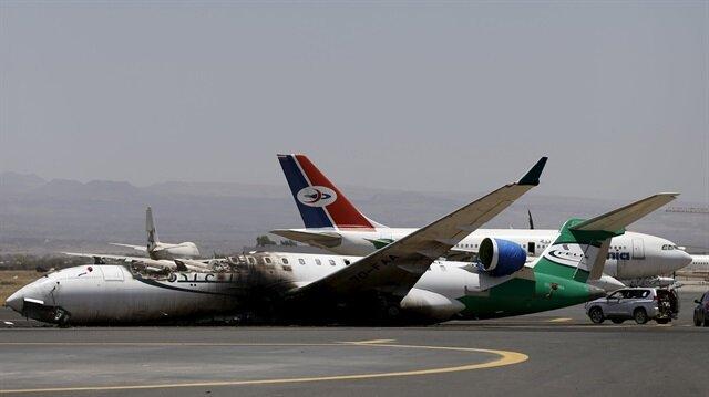 Saudi Led Jets Bomb Sanaa Runway Houthis Advance Into Aden