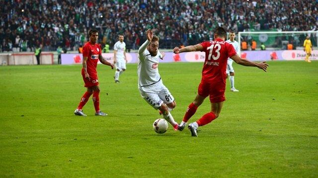 Konyaspor 81'de turladı