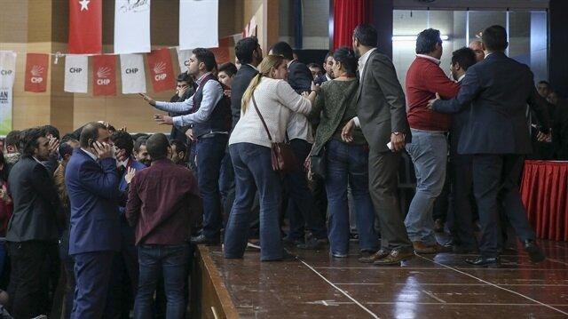 CHP Gençlik Kurultayı'nda kavga çıktı