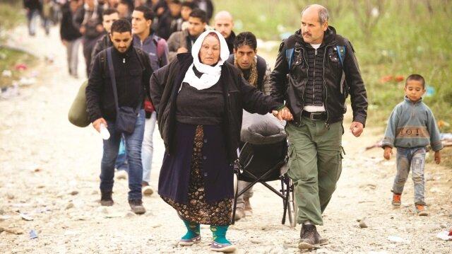 Avrupa'ya göç: 3 milyon mülteci yollara dökülsün