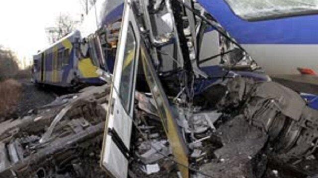 Almanya'da tren kazası: 8 ölü