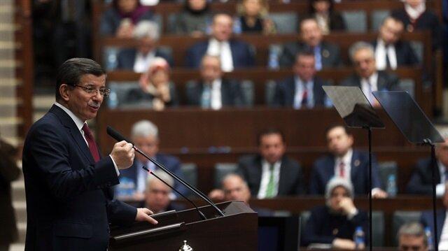 داود أوغلو: الأسد و روسيا يمطران القنابل على الأبرياء في سوريا