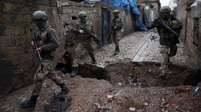 Cizre'de 5 terörist vuruldu