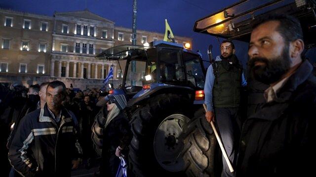 Traktörler meclise dayandı
