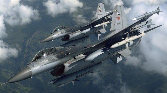 Turkish fighter jets fly toward Syrian border