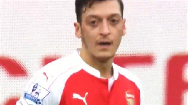 Mesut Özil'den asist öncesi dua!
