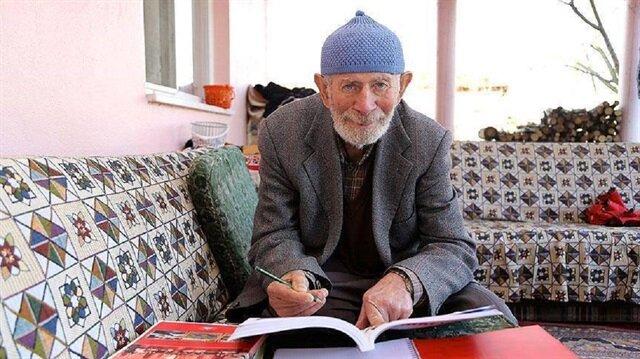 مسن تركي تجاوز الـ 71 عامًا يستعد لامتحان قبول الجامعة