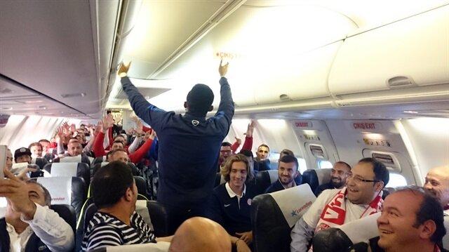 Antalyaspor uçağında Eto'o rüzgarı