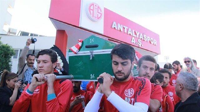 Antalyaspor efsanesi son yolculuğuna uğurlandı