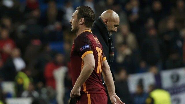 İtayla, Totti'yi tartışıyor.