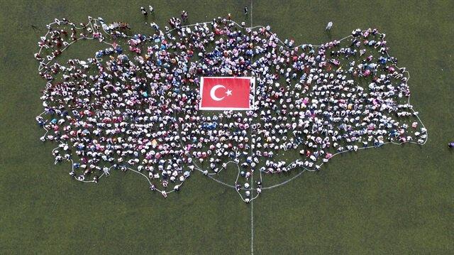 En büyük el dokuması Türk bayrağı