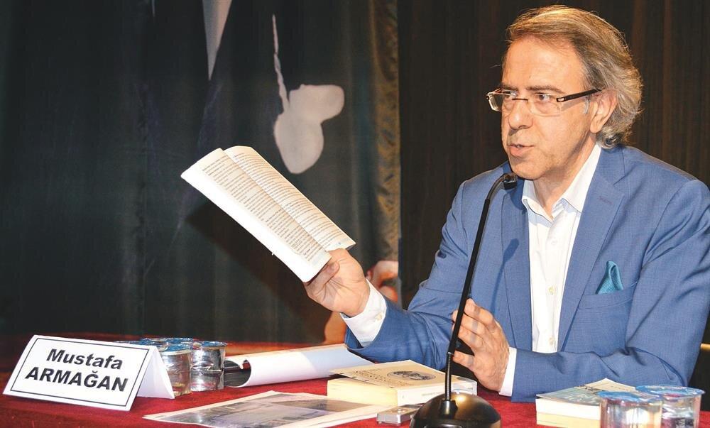Derin Tarih Dergisi Genel Yayın Yönetmeni ve Yeni Şafak Gazetesi yazarı Mustafa Armağan, Osmanlı'nın Kut'ül Amare Zaferi'nin bilinmesi için yaptığı çalışmalar ve açıklamaları ile biliniyor.