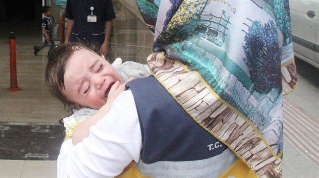 1 yaşındaki bebek araziye bırakıldı