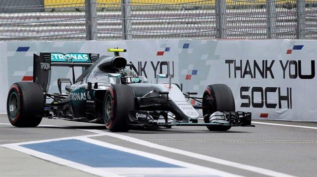Rusya Grand Prix'sindee, pole pozisyonu Nico Rosberg'in...