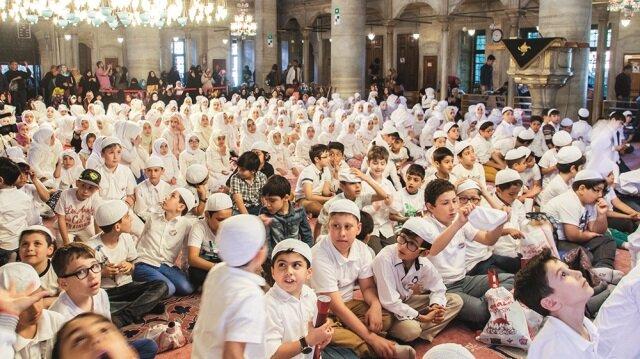 600 çocuk Namazda buluştu
