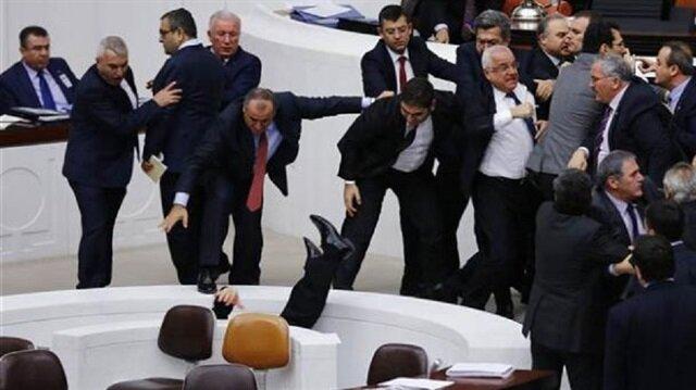 Meclis'in tarihe geçen kavgaları
