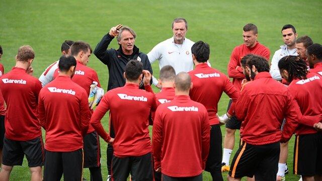Galatasaray'a  <br/>iki şok birden