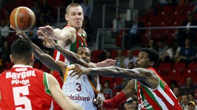 Karşıyaka ikinci maçı kazanırsa yarı finale yükselecek.