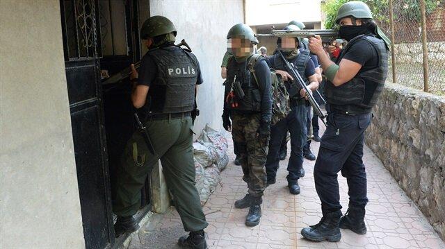 Kıstırılan 2 terörist öldürüldü 3 terörist teslim oldu