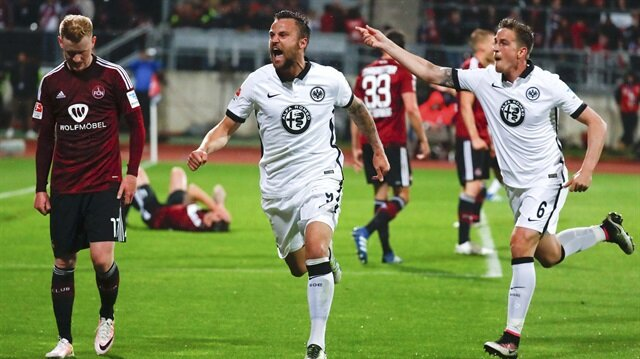 Eintracht Frankfurt <br/>Bundesliga'da kaldı