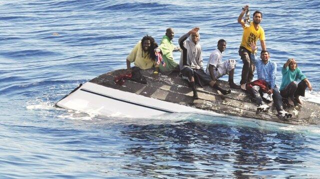 700 mülteci boğuldu