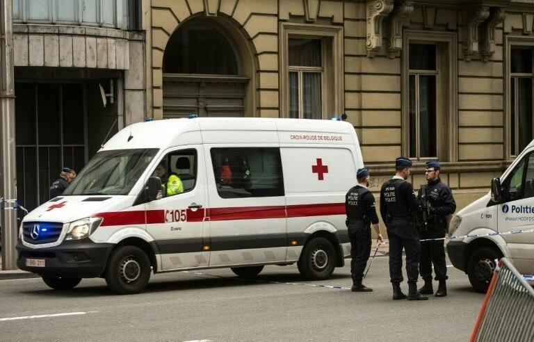 Olay yerine Liege'den çok sayıda ambulans, itfaiye ve polis ekibi gönderildi. Yaralılar, sağlık ekiplerinin ilk müdahalelerinin ardından hastanelere kaldırıldı.