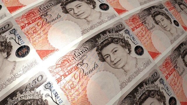 İngiliz sterlini değer kaybetti