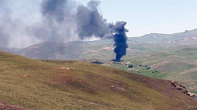 PKK'lılar araçları yaktı