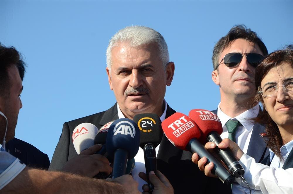 Başbakan Yıldırım, Osmangazi Köprüsü'nde açıklamalarda bulundu.
