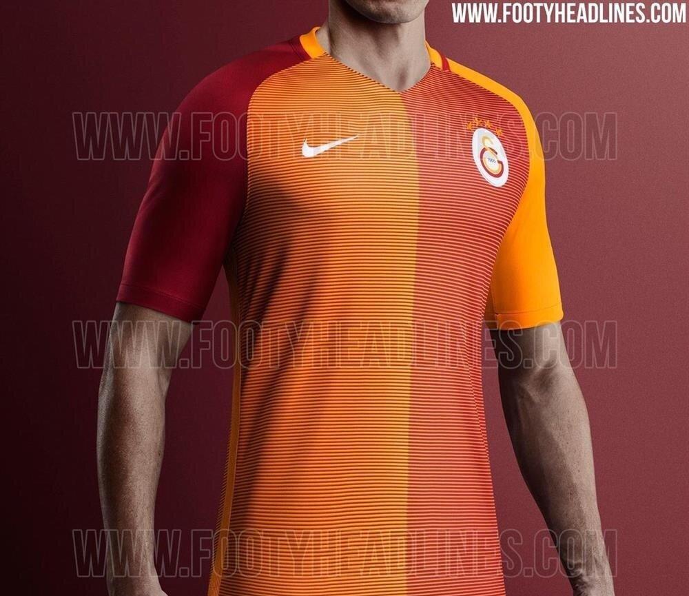 Galatasaray'ın iç saha forması.