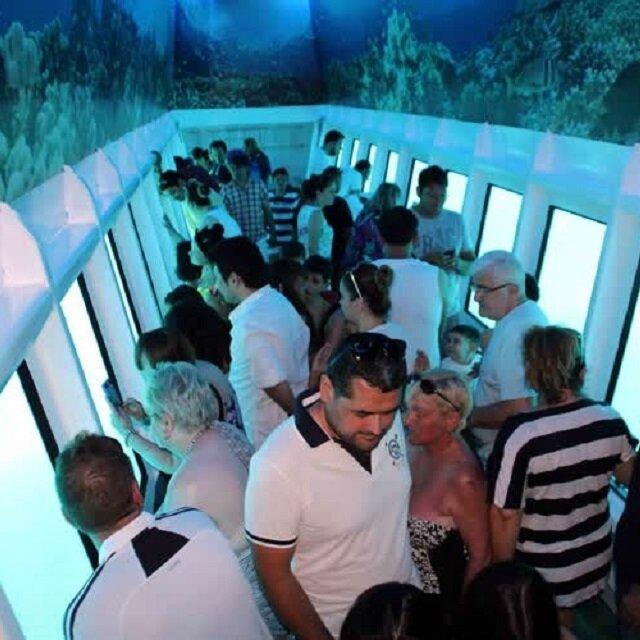 Yarı denizaltıyla Ege'nin derinliklerine yolculuk