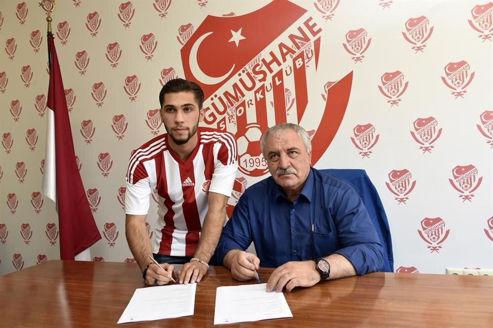 Geçen sezon Austria Klagenfurt'la 10 maça çıkan 21 yaşındaki Muhammed Çalhanoğlu orta sahada görev yapıyor.