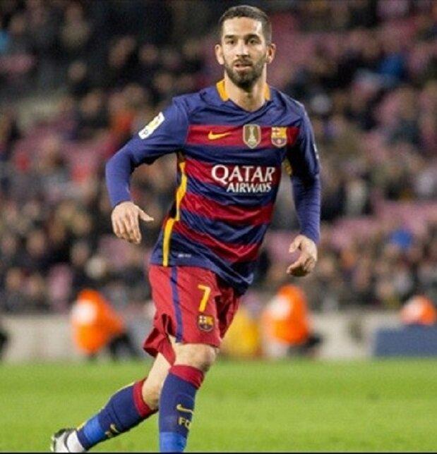 Arda Turan önümüzdeki sezon da Barcelona'da forma giyecek.