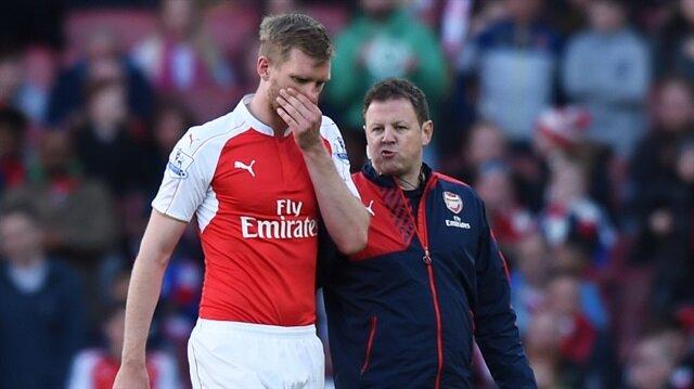 Arsenal'da <br/>Mertesacker şoku