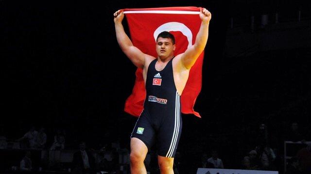 Türkiye'nin bayrağını Rıza Kayaalp taşıyacak.