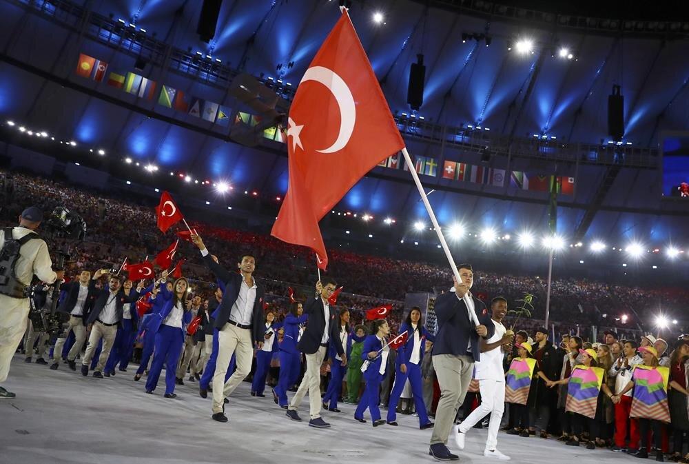 2016 Rio Olimpiyat Oyunları'nın açılış töreninde Türkiye'nin bayrağını milli güreşçi Rıza Kayaalp taşıdı.