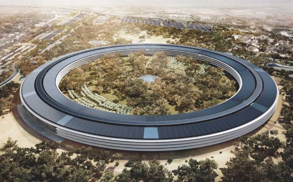 Apple'ın yeni yuvası bitince bu şekilde görünecek. Daire şeklindeki binanın üzerine güneş enerjisi paneller yerleştirilecek. Bu paneller kampüsün tüm enerji ihtiyacını karşılayacak.