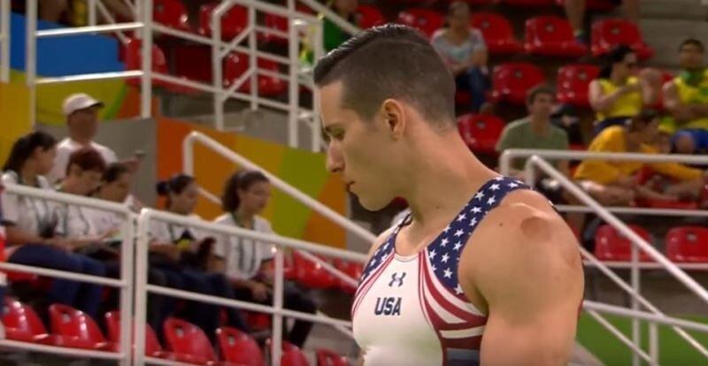 ABD'li cimnastikçi Alex Naddour da müsabakalara 'Hacamat' yöntemiyle hazırlandığını açıkladı.