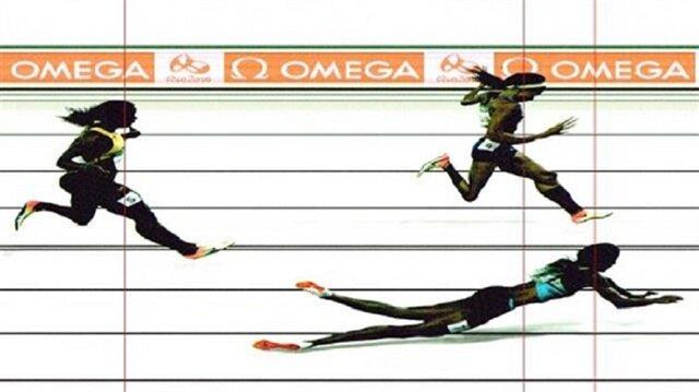 Bahamalı atlet uçarak finali gördü!