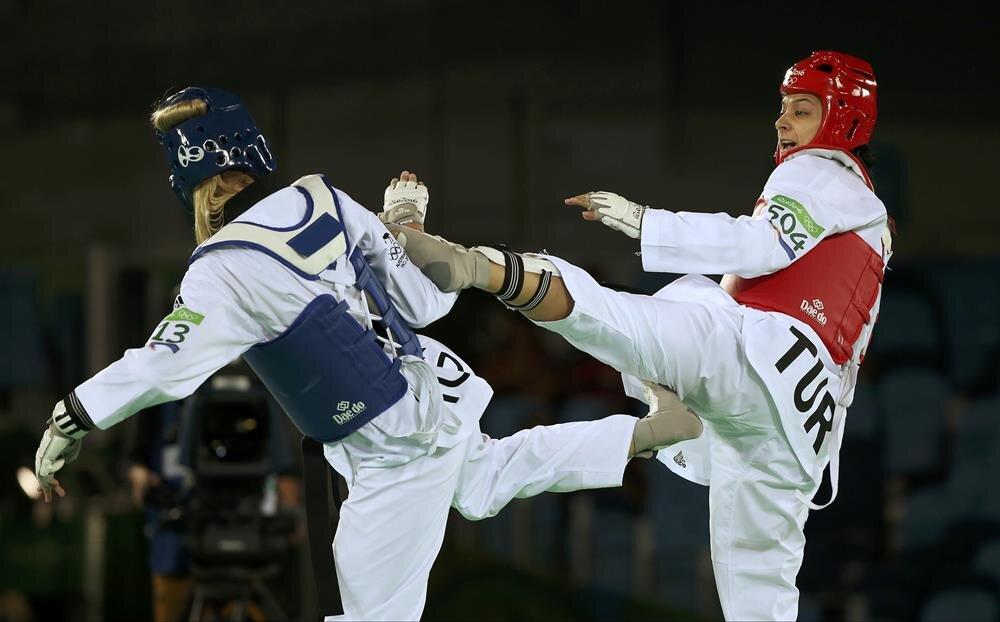 nNur Tatar, çeyrek finalde TSİ 21.00'de Türk asıllı Alman sporcu Rabia Güleç ile karşılaşacak.