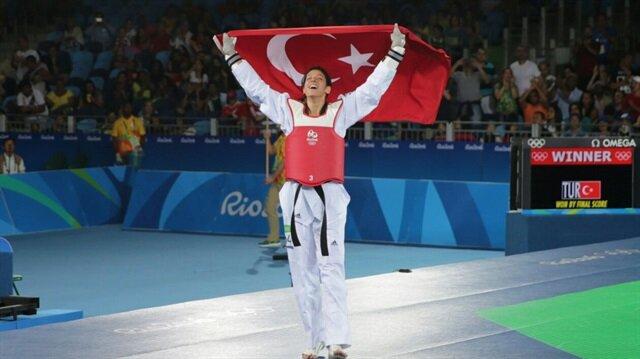 Milli tekvandocu Nur Tatar, kadınlar 67 kiloda Olimpiyat üçüncüsü oldu.