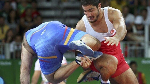 Rio'da ilk altın Taha Akgül'den