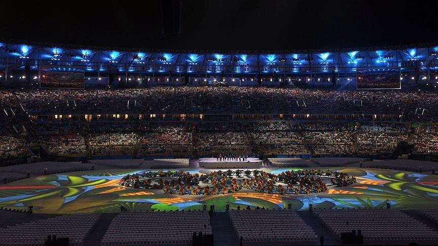 Rio 2016 Organizasyon Komitesi Başkanı Carlos Arthur Nuzman, kapanış töreninde yaptığı konuşmada, oyunlara başarılı bir şekilde ev sahipliği yaptıklarını belirterek Brezilya halkına gösterdikleri ilgiden dolayı teşekkür etti.