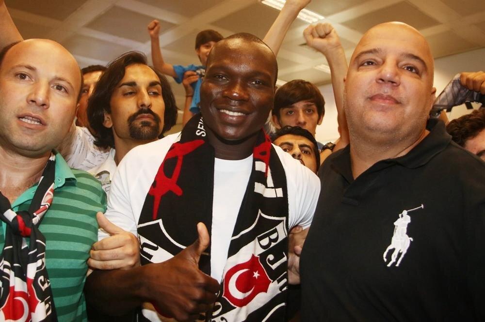 Beşiktaş'ın yeni transferi Vincent Aboubakar, İstanbul'a geldi.