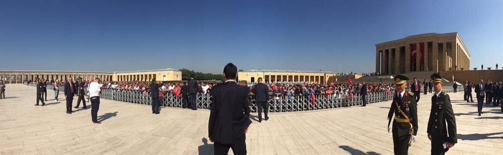 Cumhurbaşkanı ve Başkomutan Erdoğan'ı Anıtkabir'de ilk kez asker ve siviller bir arada karşıladı.