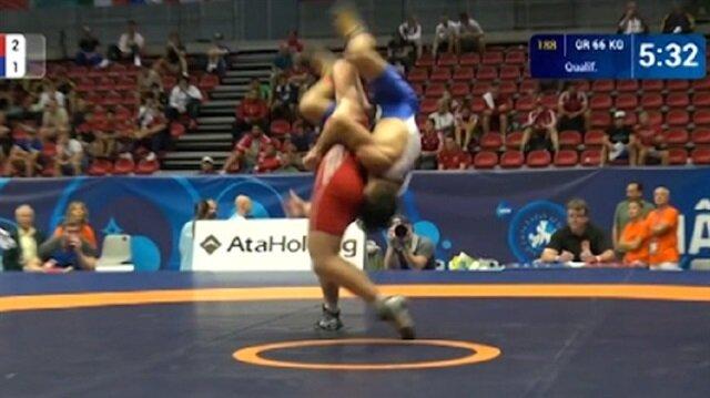 Türk güreşçinin hareketi şaşkına çevirdi!