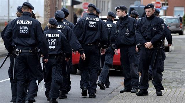 FETÖ medyasından 'Alman polisine sızın' talimatı