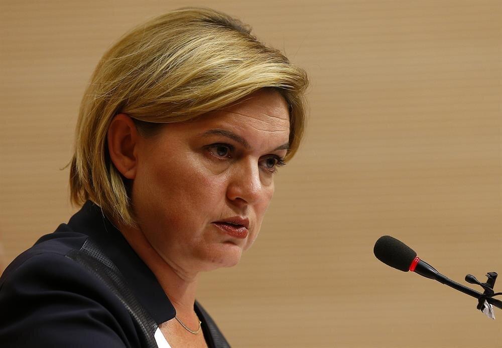 CHP Sözcüsü Selin Sayek Böke, MHP'ye ''İktidarın yedek lastiği''; MHP Lideri Devlet Bahçeli'ye de ''AKP'nin muhalefetten sorumlu genel başkan yardımcısı'' nitelemesi yapmıştı.