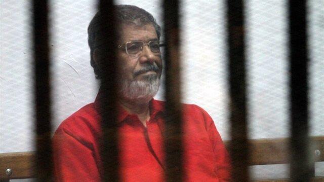 Cunta mahkemesi Mursi'yi 20 yıla mahkum etti