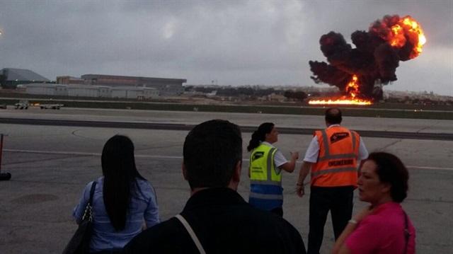 Avrupalı yetkilileri taşıyan uçak düştü